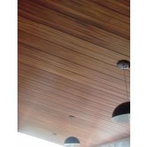 Forro de PVC Madeirado Jatoba ou Imbuia instalado / colocado  8 mm  20 cm larg  m²