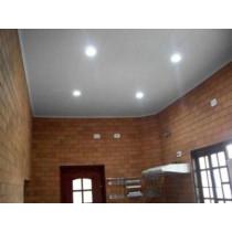 Forro PVC Branco Liso  instalado / colocado (8 mm x M²)