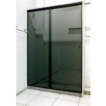 Box  vidro frontal fume Acab alum Br/Pr/Bronz - M².
